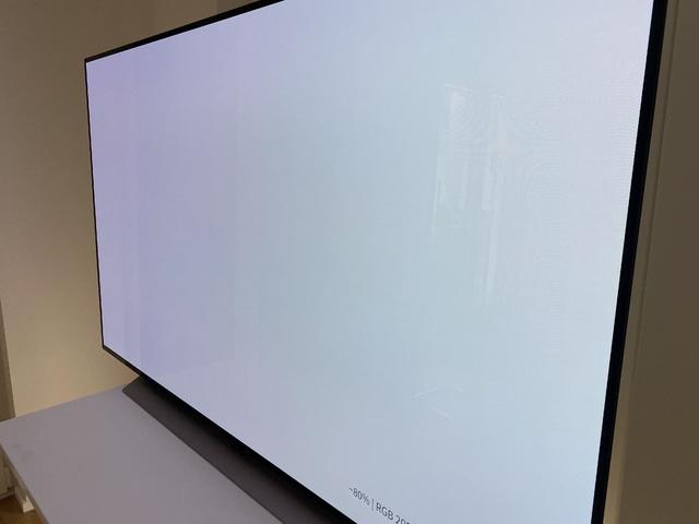 OLED77 C1 Side
