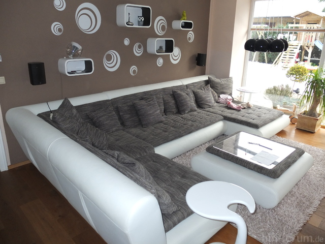 Richtung Sofa