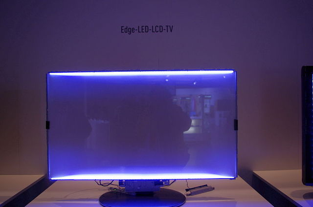 800px-LCD-Hintergrundbeleuchtung_mit_Edge-LEDs