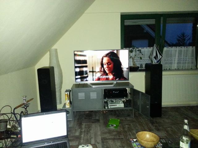 hilfe steinwand zwischen dachschr ge und fenster racks geh use hifi forum. Black Bedroom Furniture Sets. Home Design Ideas