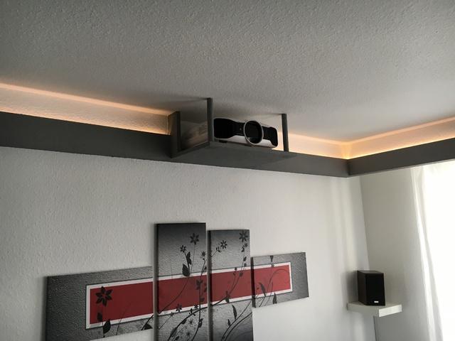 beamer deckenhalterung selber bauen wer hat erfahrung leinw nde beamerzubeh r. Black Bedroom Furniture Sets. Home Design Ideas
