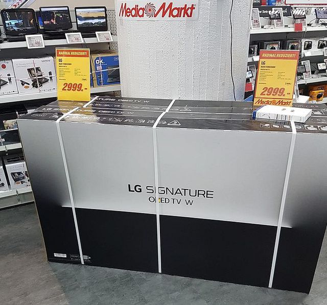 LG W7