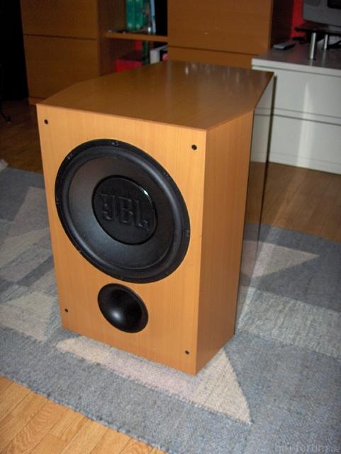 Resized 01 JBL Xti Sub 300