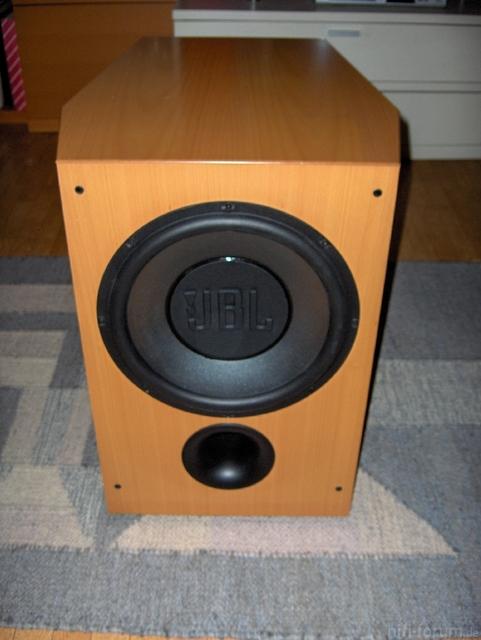 Resized 02 JBL Xti Sub 300