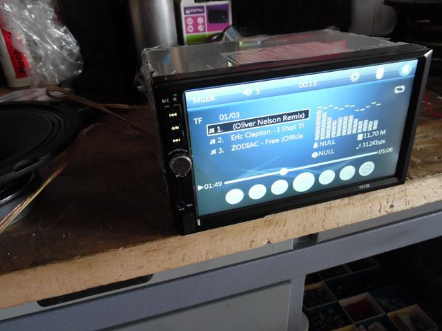 China Radio 7012B