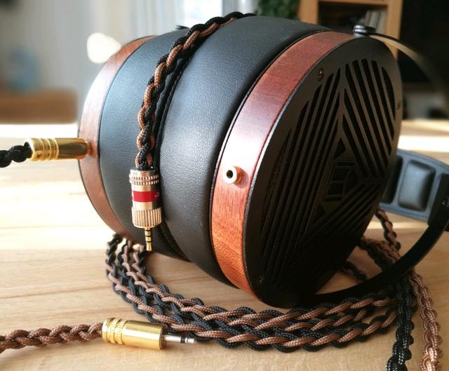 M1060 mit Balanced Kabel