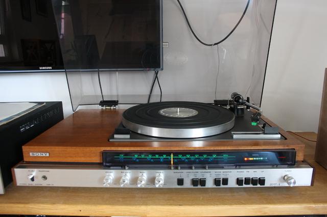 SONY HMP 70