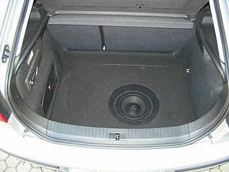 subwoofer in bodenplatte einbauen ohne geh use car hifi. Black Bedroom Furniture Sets. Home Design Ideas