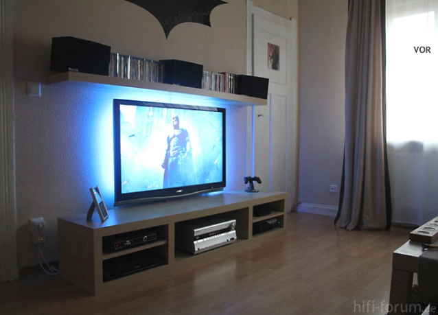 led streifen hinter fernseher h user immobilien bau. Black Bedroom Furniture Sets. Home Design Ideas