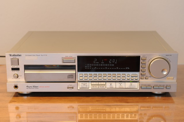 Technics SL-P770