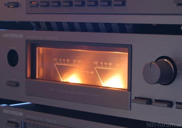 UNIVERSUM V2315 - VU-Meter