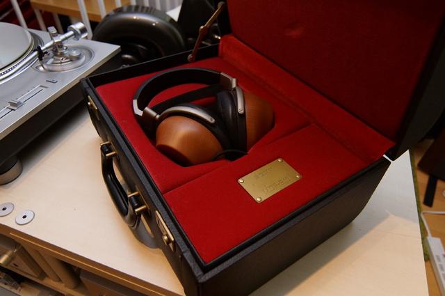 Sony R1 N1