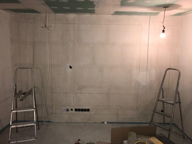 TV Wand und Wohnzimmer