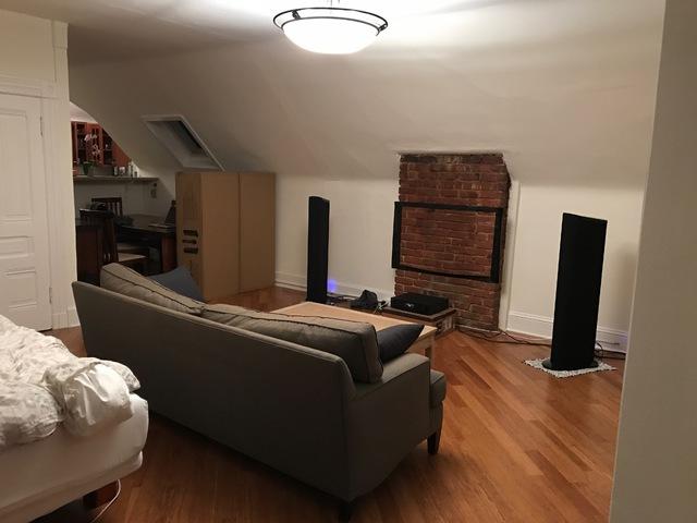 Asymmetrisches Wohnzimmer für Standlautsprecher akustisch optimieren ...