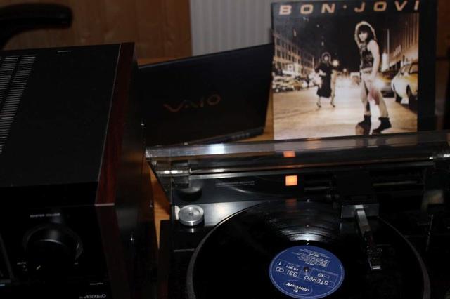 Bon Jovi - Bon Jovi (LP-Cover)