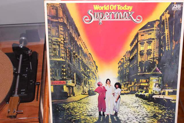 Supermax - World Of Today (LP-Cover)