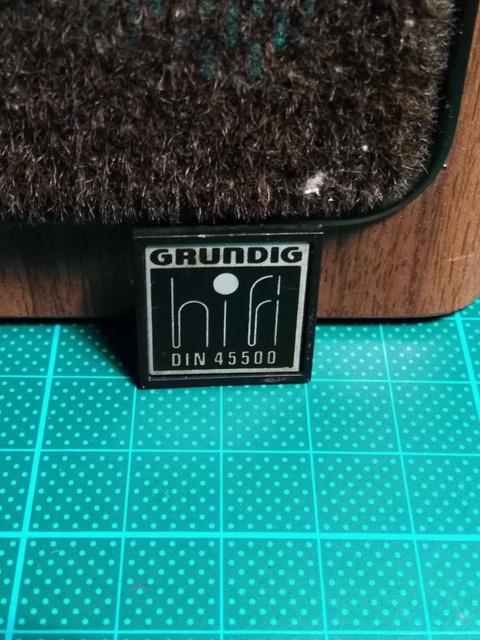 DIN Schild Der Grundig Super Hifi Box 850 Professional