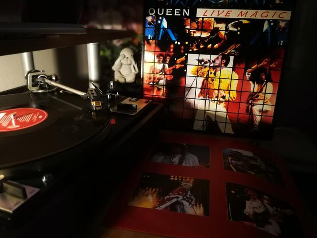Queen Live Magic