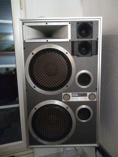 Jamo power 300R