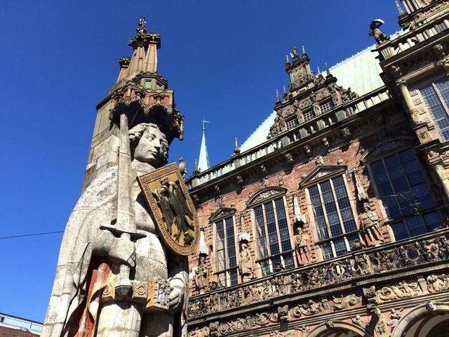 22338208091 36795bf918 O Roland & Rathaus, Bremen Simaron CC BY SA 2 0