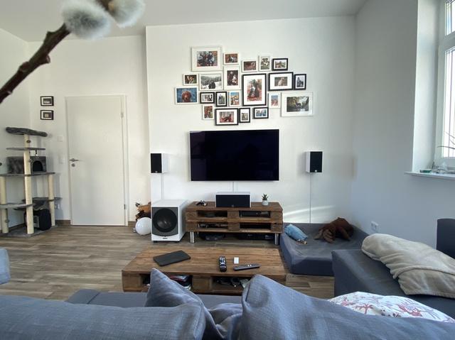 Erstes 5.1 Wohnzimmer Frontansicht