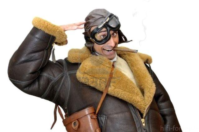 6784726 Funny Jagdflieger Salutieren Isoliert In Weiss