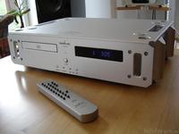 Ladiva I-TECH CD Front