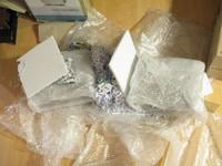 07-speakers inside package in bubbleplastic