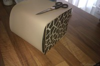 Muster mit Leder an Box
