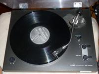 Akai AP-100C Plattenspieler