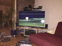 Standplatz der Standlautsprecher neben den TV