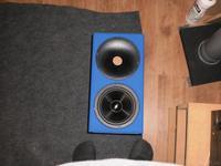 Cinetor im blauen Kleidchen noch ohne Frequenzweiche