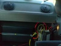 anlage hinterm woofer Verstärker und kondensator